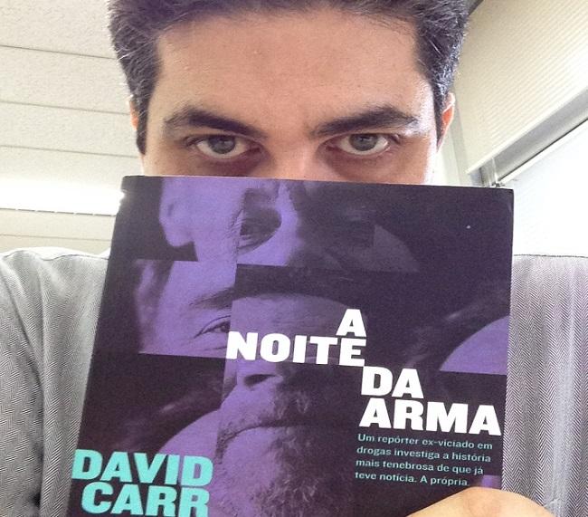 """Edward Pimenta conta o segredo do livro """"A Noite da Arma"""", de DavidCarr"""