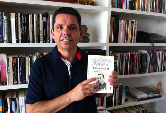 "Spoiler: Miguel Sanches, autor de ""A Segunda Pátria"", entrega o final do clássico ""A MontanhaMágica"""