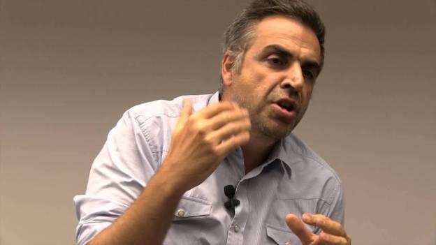 O romancista Ubiratan Muarrek: um livrão divertido e forte